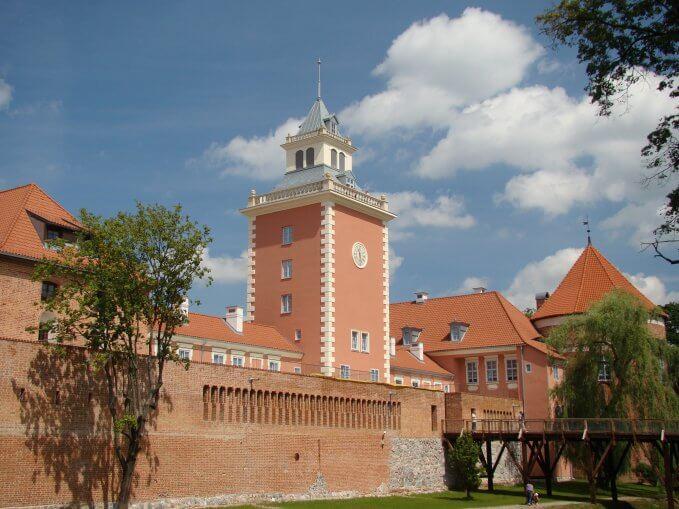 Lidzbark Warmiński, podzamcze - wieża bramna i baszta