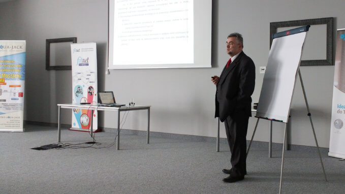 Jarosław Jerzy Rypniewski podczas jednej ze swoich prezentacji